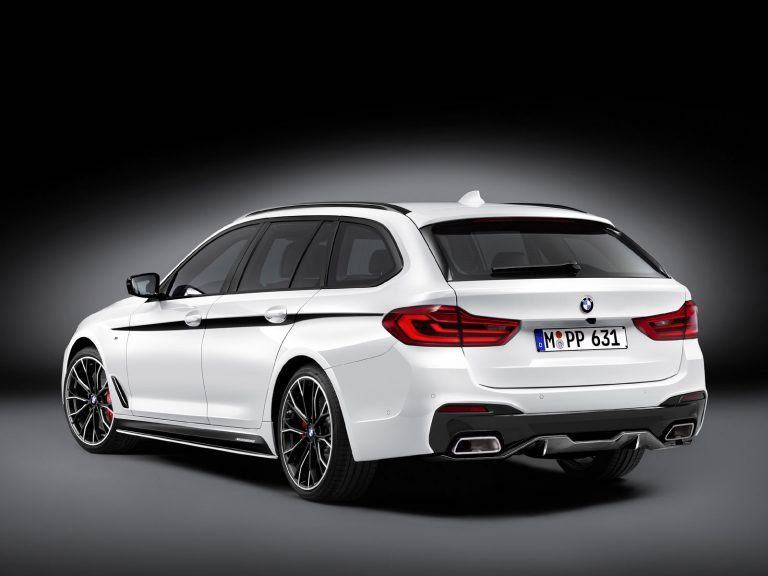 BMW 5er Touring mit M Performance Parts