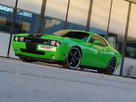 Dodge challenger srt8 1