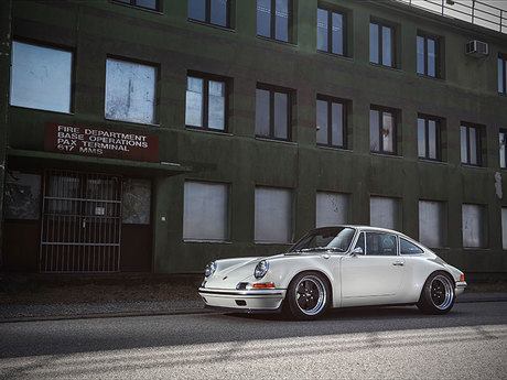 Porsche 993 Technik im 911 70er Design by KAEGE
