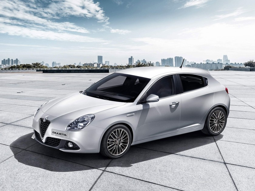 facelift f r alfa romeo giulietta auto. Black Bedroom Furniture Sets. Home Design Ideas