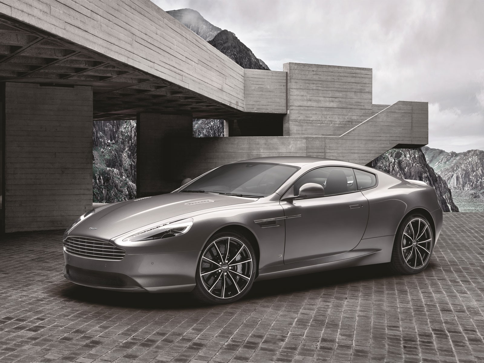 foto streng limitiert aston martin db9 gt bond edition 001. Black Bedroom Furniture Sets. Home Design Ideas