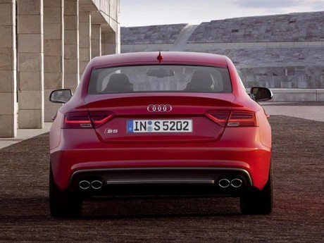 Facelift fuer audi a5 s5 037