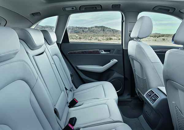 foto audi q5 neu innen vom artikel der neue audi q5 auto. Black Bedroom Furniture Sets. Home Design Ideas