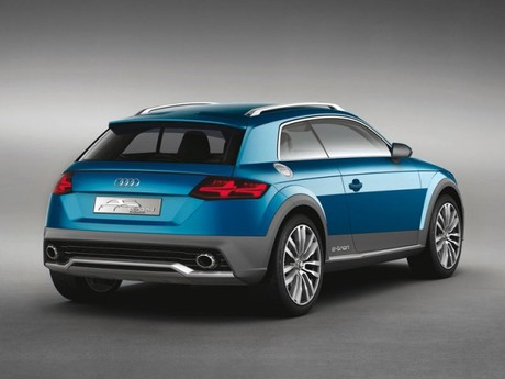 Premiere detroit audi allroad shooting brake 002