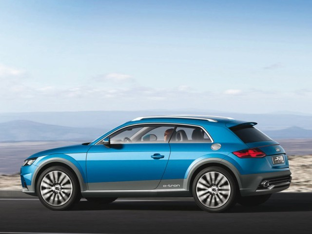 Premiere detroit audi allroad shooting brake 004
