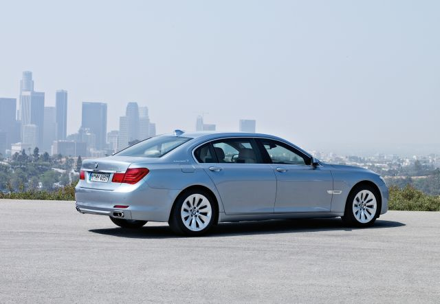 Bmw activehybrid 7 4