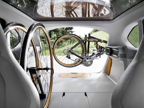 Bmw zeigt concept active tourer outdoor 002