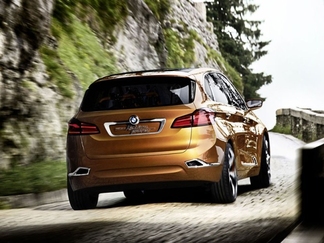 Bmw zeigt concept active tourer outdoor 004