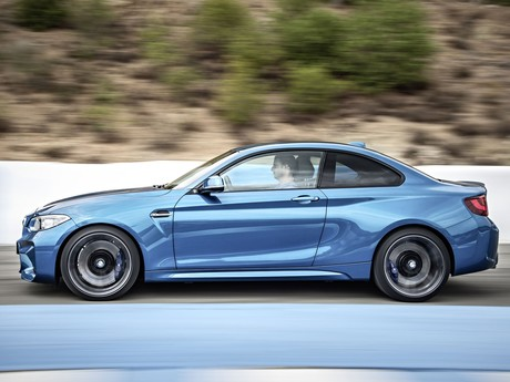 Premiere fuer bmw m2 coupe 004
