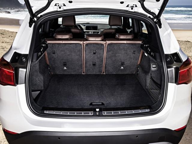 premiere der neue bmw x1 auto. Black Bedroom Furniture Sets. Home Design Ideas