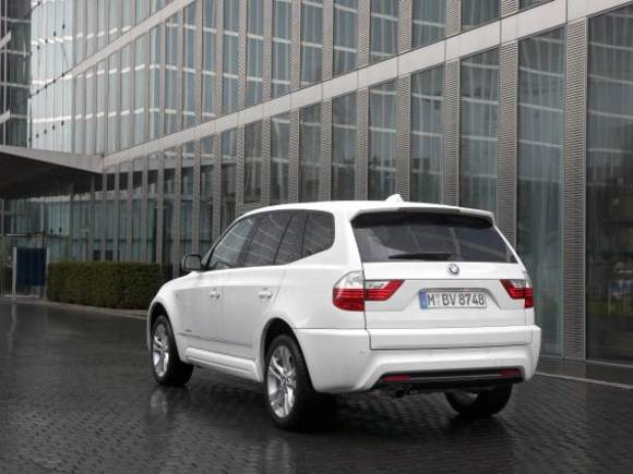 foto bmw x3 xdrive 18d vom artikel bmw x3 xdrive 18d neues einstiegsmodell. Black Bedroom Furniture Sets. Home Design Ideas