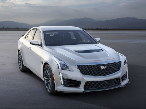 Cadillac V-Modelle als Crystal White Frost Edition