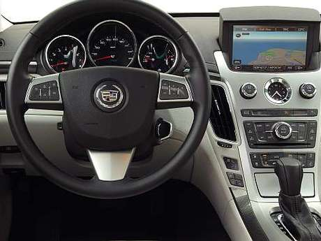Cadillac cts innen