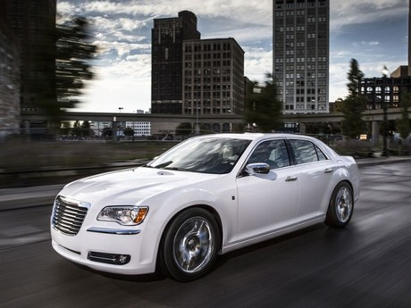 Premiere detroit chrysler 300 motown edition 001