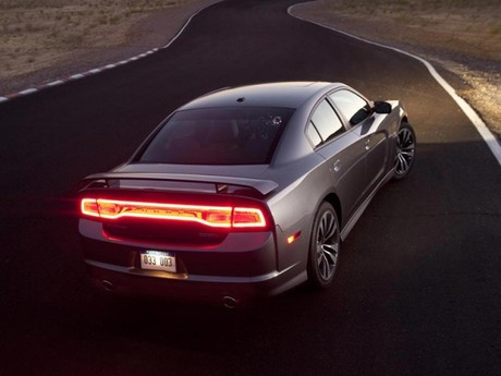 Neu dodge charger srt8 014