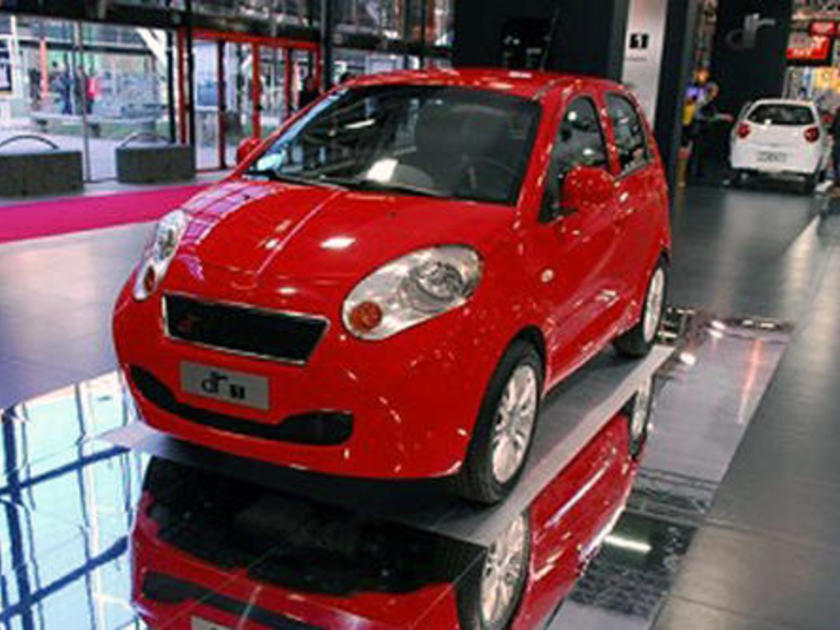 TOYOTA Yaris VVT-i Hybrid Trend e-CVT (Kleinwagen) Verkehrszeichenerkennung - Toyota Safety Sense - Klimaanlage - Rückfahrkamera - Bluetooth uvm.