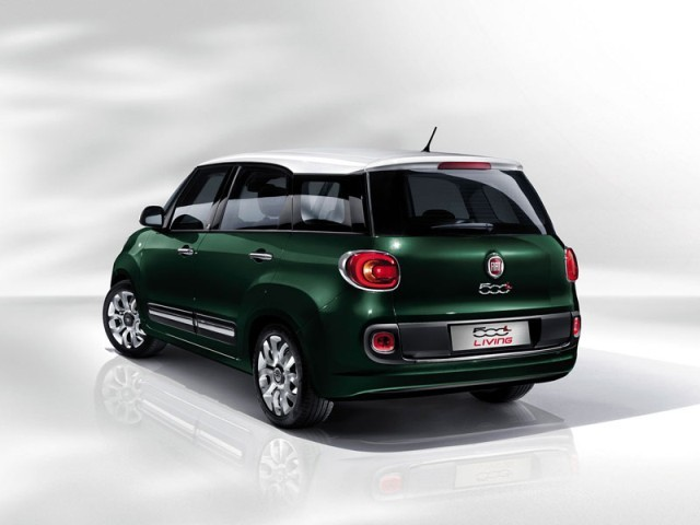 der neue fiat 500l living auto. Black Bedroom Furniture Sets. Home Design Ideas
