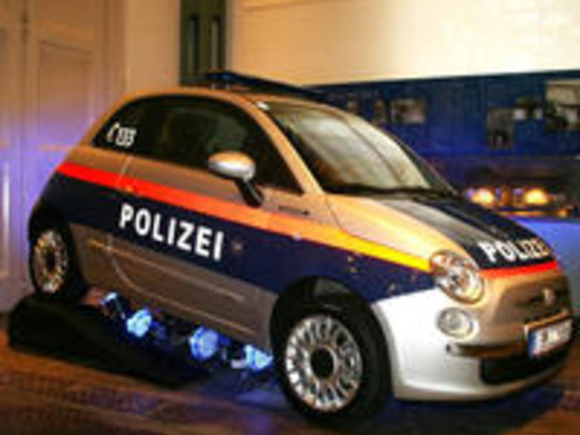polizei in vorarlberg testet fiat 500 mit elektromotor. Black Bedroom Furniture Sets. Home Design Ideas