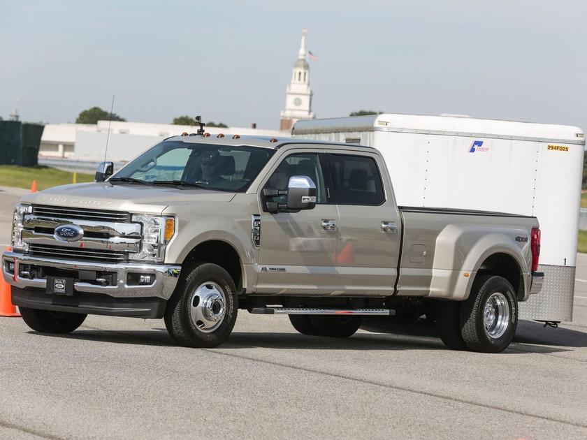 Neue Anhänger-Rückwärtsfahrhilfe von Magna für Ford ::: auto-motor ...