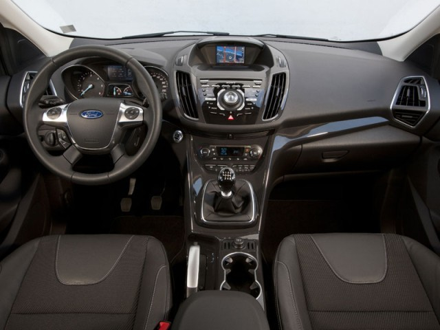 der neue ford kuga fahrbericht auto. Black Bedroom Furniture Sets. Home Design Ideas