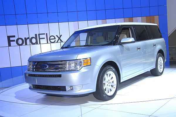 foto ford flex vom artikel ford berarbeitet modelle 2008 auto. Black Bedroom Furniture Sets. Home Design Ideas