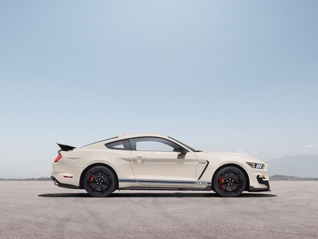 Ford mustang shelby gt350 neuem package 002