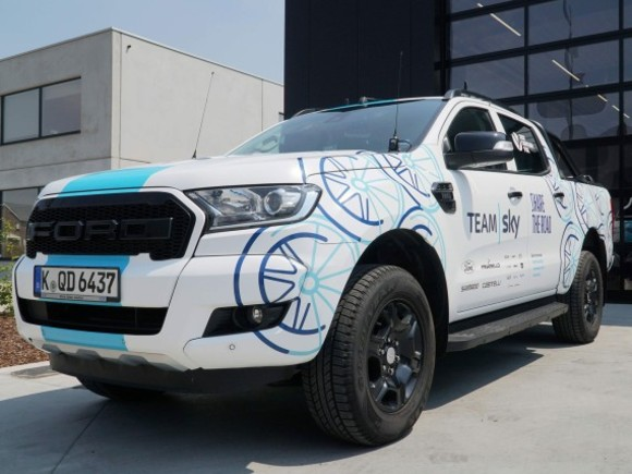 Ford Ranger-Pickup bei der Tour de France