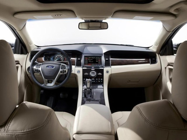 New York 2011: Ford Taurus Facelift