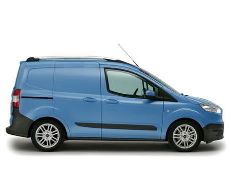 Neu ford transit courier 004