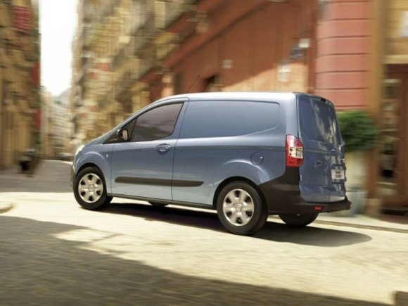 Ford Transit Courier Modell 2013