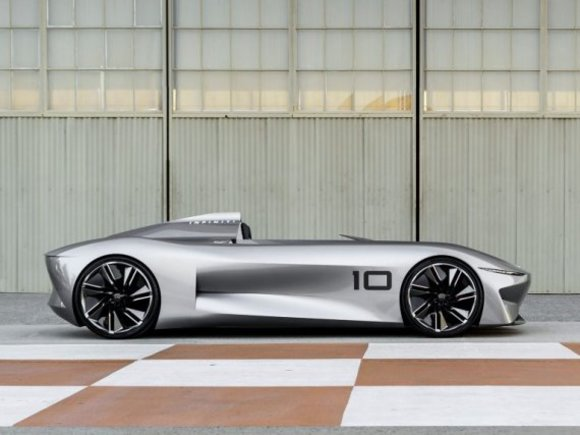 Infiniti zeigt Prototype 10 in Pebble Beach