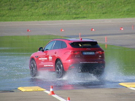 Jaguar land rover track day 002