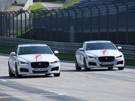 Jaguar land rover track day 010