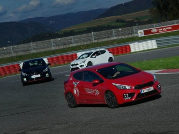 Kia ruft cee´d GT Driving Experience ins Leben