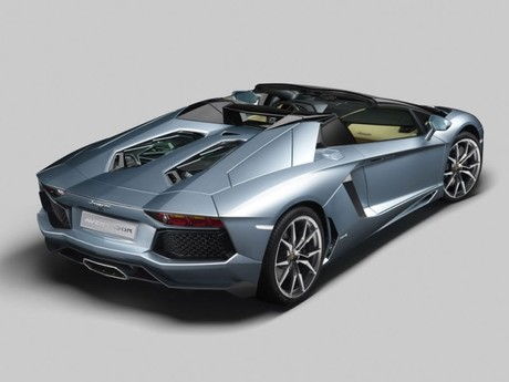 der neue lamborghini aventador lp 700 4 roadster auto. Black Bedroom Furniture Sets. Home Design Ideas