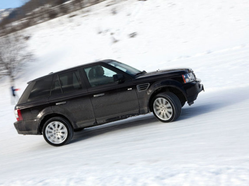 Land rover winter driving 1