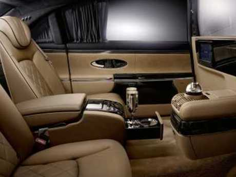 Maybach Zeppelin Weltpremiere Am Genfer Autosalon