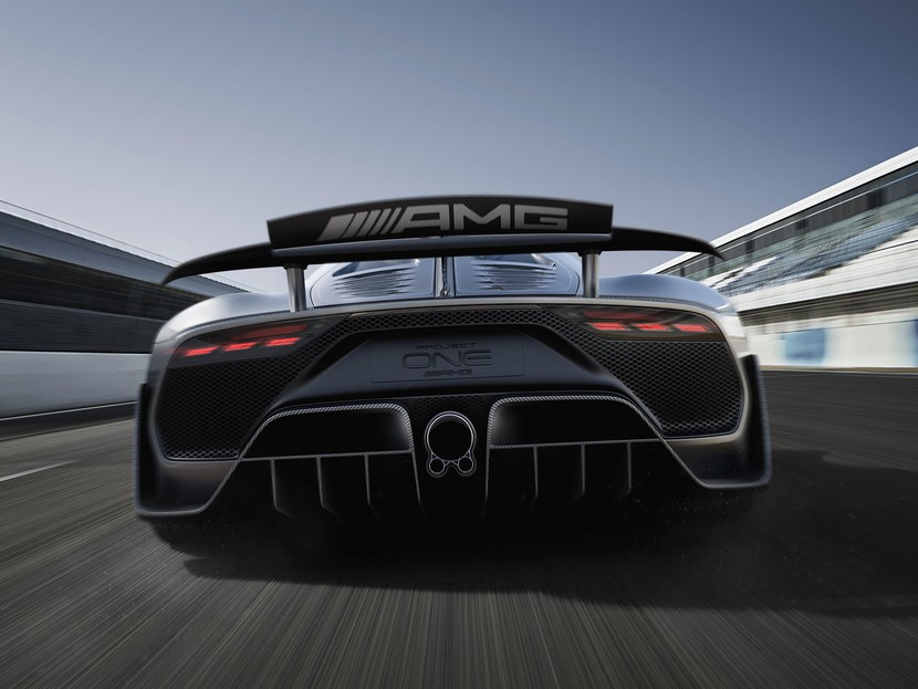 Showcar mercedes amg project one 002