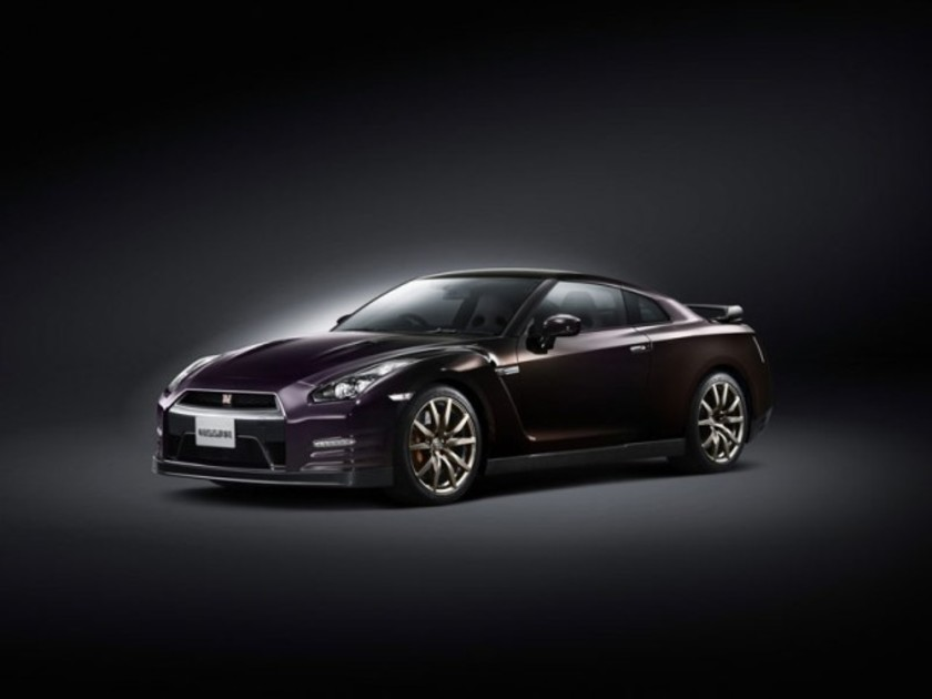 Limited edition nissan gt r midnight opal 001