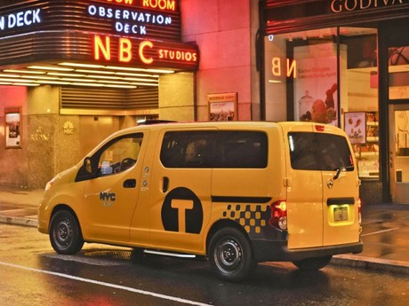 New york 2012 premiere nissan nv200 taxi 002
