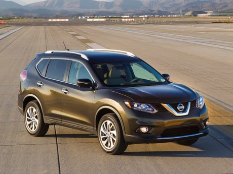 Premiere fuer nissan rogue 001