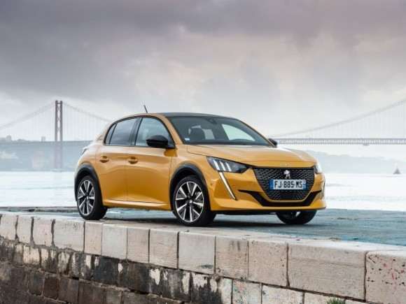 "Der neue Peugeot 208 ist ""CAR OF THE YEAR 2020"""