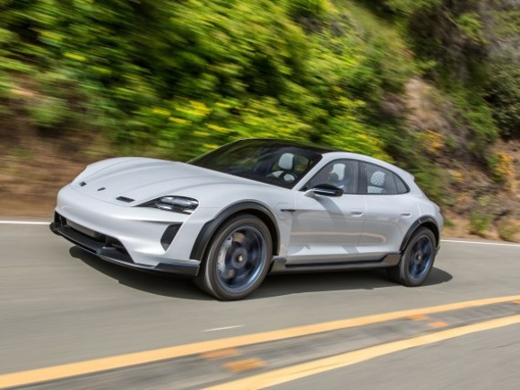 Porsche Mission E Cross Turismo geht in Serie