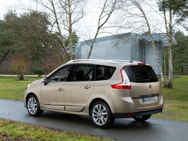 Facelift fuer renault scenic 002