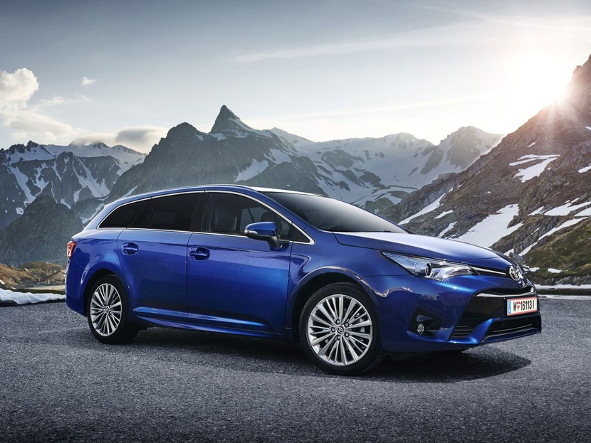 Business pakete fuer toyota auris avensis 002