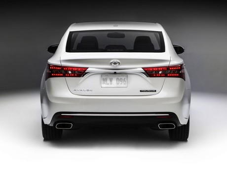 Facelift fuer toyota avalon 003