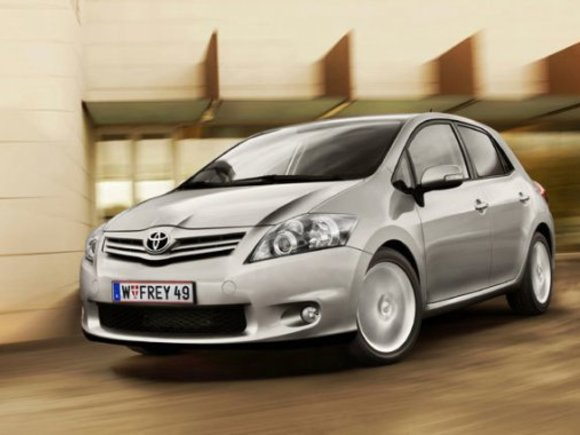 Toyota Auris Young
