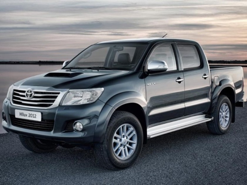 Facelift fuer toyota hilux 001