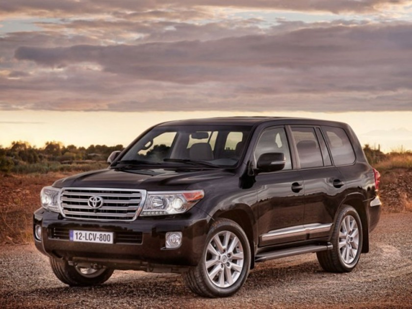 Facelift fuer toyota land cruiser v8 001