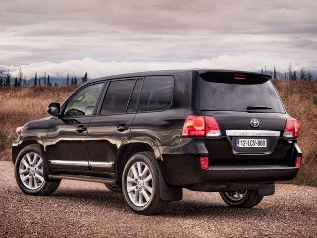 Facelift fuer toyota land cruiser v8 003